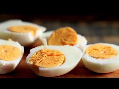Perfect hard boiled eggs youtube perfect hard boiled eggs ccuart Choice Image