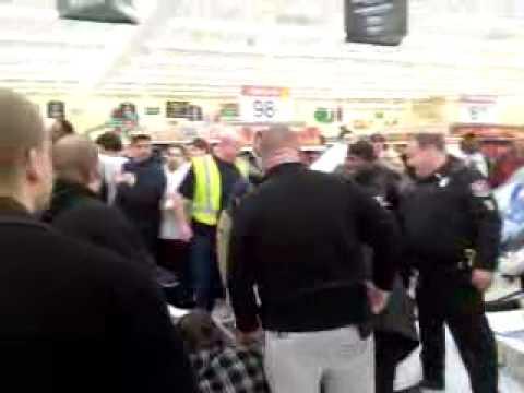 Black Friday Brawl Wal Mart Racine, WI 2008 - YouTube