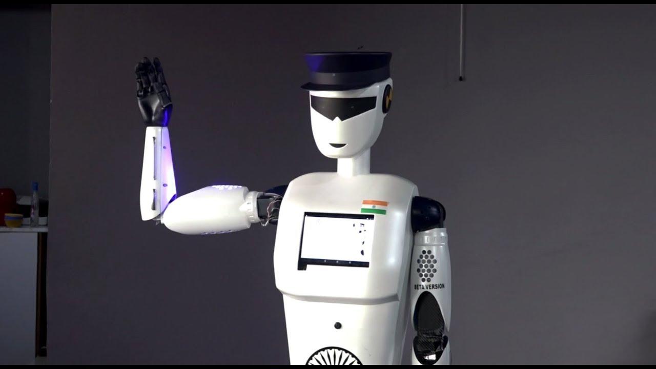 В Индии представили первого в мире робота-полицейского