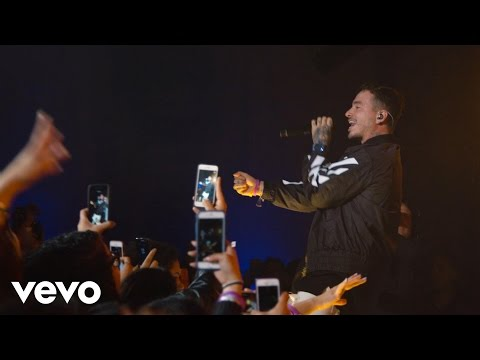 J Balvin - Trankila (Live at The Year In Vevo)
