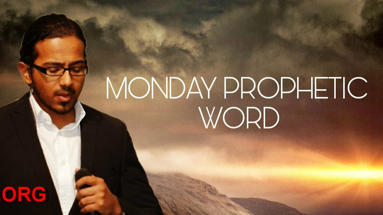 GOD WILL MAKE A WAY FOR YOU, Monday Prophetic Word with Ev. Gabriel Fernandes