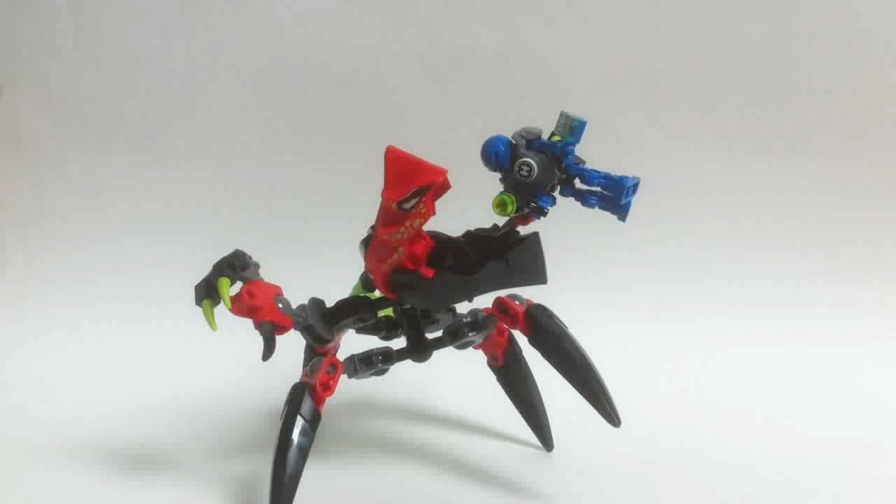 LEGO Hero Factory Video Review TUNNELER Beast vs SURGE [Fran§ais]