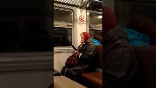 Сосущая бабушка)