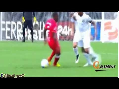 Funny reaction from Robinho after nutmeg