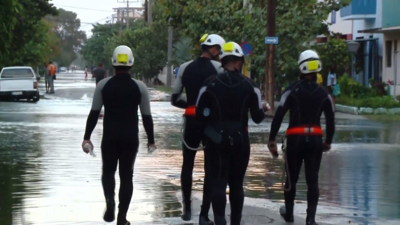 Гавану затопляет: мощный ураган перекинулся с США на Кубу