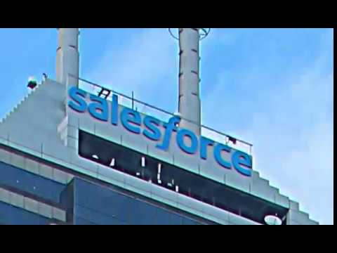 Salesforce Tower Indy Sign Swap Time Lapse - Idealized
