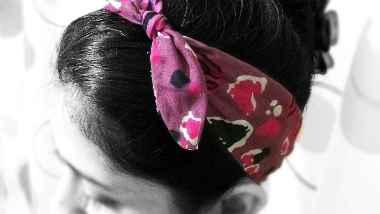 How To Make A Knotted Fabric Hair Band - DIY Style Tutorial - Guidecentral 1445b0b5809
