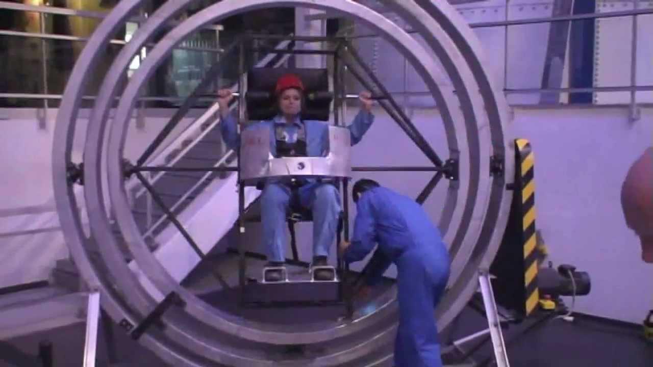 Le reveil duroy isa teste une chaise rotative pour for Chaise bercante pour allaiter
