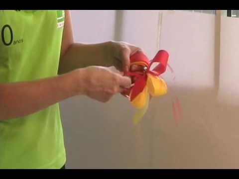 Como fazer laço bola com duas fitas