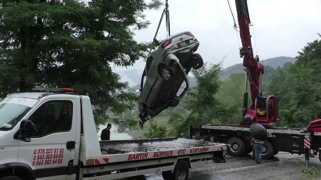Bartın'da Baraja uçan otomobil Çıkarıldı