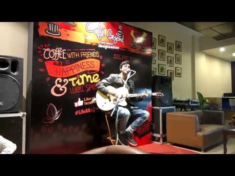 SOCH NA SAKE Cover By AKASH BARNABAS(Live From Cafe Beyond,The Legend)