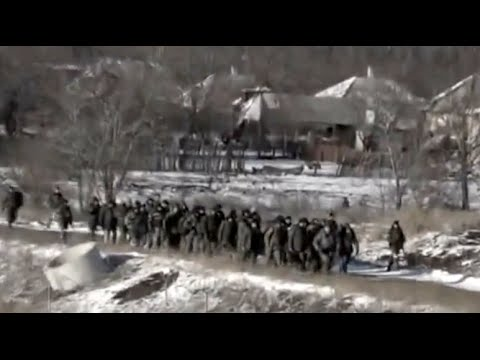 Запретный Донбасс. Близько ста українських військових здалися в полон під Дебальцево.