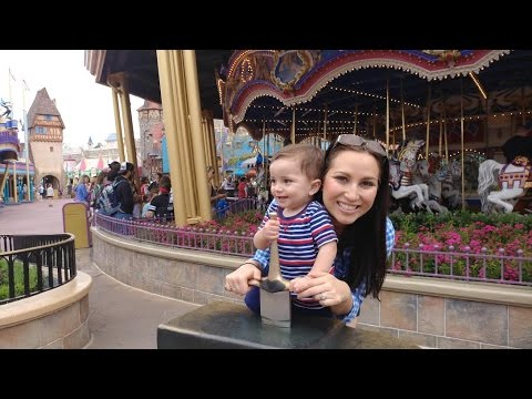 Itinerary: Magic Kingdom with Young Kids (Tips from a Former Cast Member!)