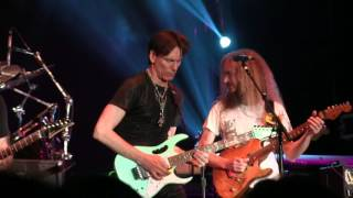 G3 tour Satriani-Vai-Govan (Aristocrats) - Smells like ten spirits/Rockin in a free world
