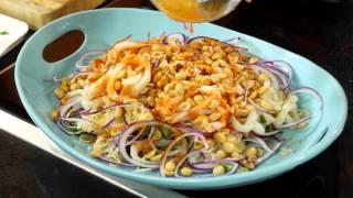 Video Saigon Squid Salad /Goi Muc Saigon (Vietnamese) download MP3, 3GP, MP4, WEBM, AVI, FLV Juli 2018