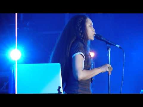HD - Erykah Badu - Liberation/Humble Mumble (dedicated to Amy Winehouse) live @ Nova Jazz 2011