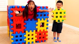 Download Wendy Pretend Playing with Colored Toy Blocks Mp3 and Videos