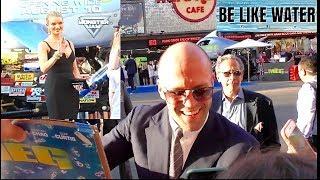 Jason Statham & Rosie Huntington-Whiteley CUTE COUPLE @ The Meg