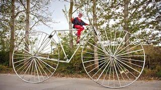 Самый большой велосипед(Самые впечатляющие и удивительные рекорды Книги рекордов Гиннесса Диаметр колес велосипеда составляет..., 2016-07-15T14:39:16.000Z)