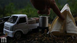 miniature Outdoor life Set up a tent