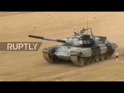 Russia: Explosive tank biathlon competition resumes in Alabino