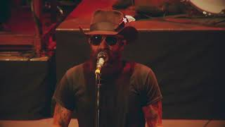 "Cody Jinks | ""Somewhere In The Middle"" 