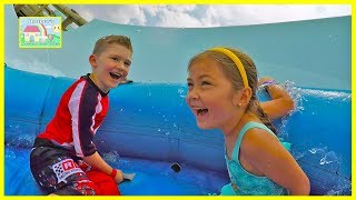Hailey and Daddy go to Water Slide Amusement Park in Orlando, Florida!