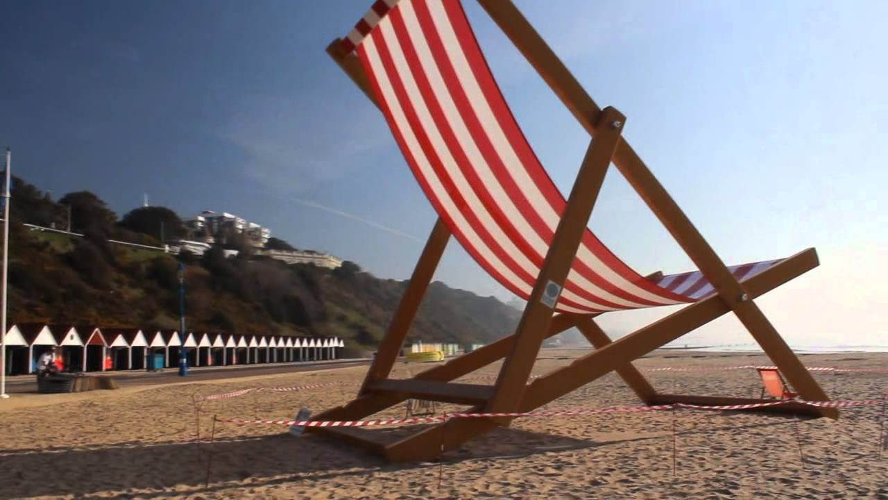 Charmant Giant Deckchair On Bournemouth Beach   Worlds Largest?