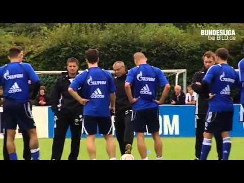 Schalke vor Freiburg Felix Magath macht Witze 29.09.2010   HD