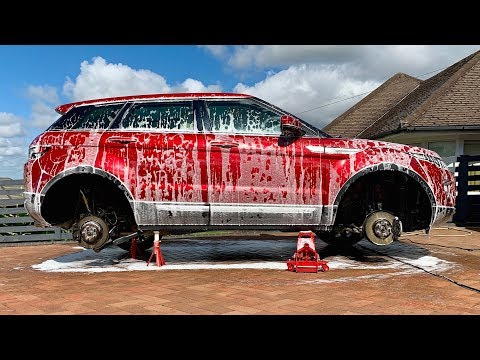 Range Rover Evoque Wheels-Off Wash