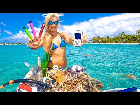 FOUND PHONE! TREASURE HUNTING after Massive Sandbar Party! Peanut Island Snorkeling