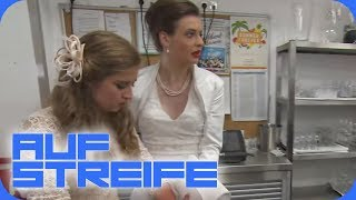 Allergischer Schock bei gleichgeschlechtlicher Hochzeit: Wer sabotiert das Paar   Auf Streife  SAT.1