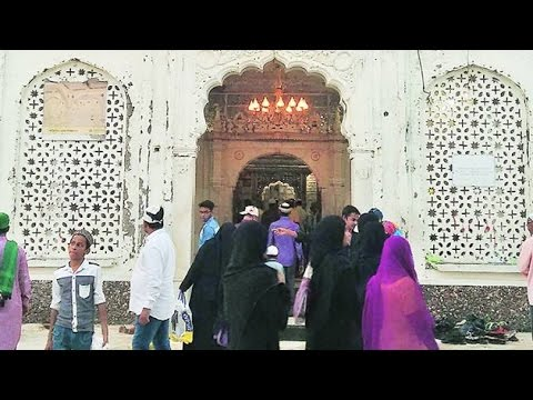Women to offer prayers at Haji Ali Dargah after five years