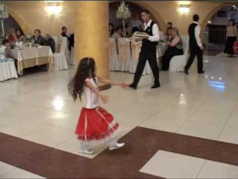 Poqrik - Armenian girl dancing at wedding