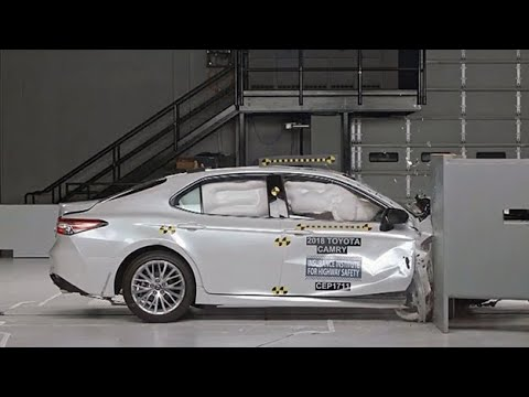 10 Midsize Cars Earn Good Crash Test Results