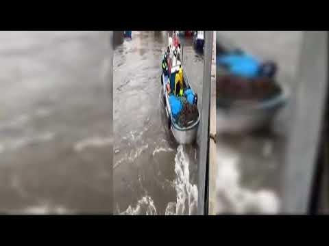 El temporal pone en peligro a los barcos en el puerto de Malpica