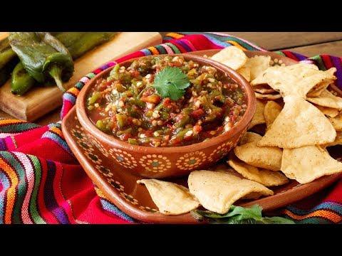How to Make House Salsa (Como Hacer Salsa Casera) | Muy Bueno