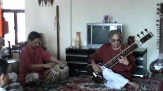 Paradhin aahe jagati(Sitar).avi