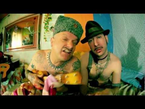 LA CARAVANE PASSE - T'AS LA TOUCHE MANOUCHE Feat. Sanseverino & Stochelo Rosenberg -  ラ・キャラバン・パス