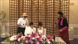 結婚式では、 ハンドベルの上品な余興は、肩が凝るらしく、やはりかぶり...