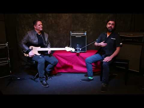 Acoustic B100C Classic Series Bass Combo Amp