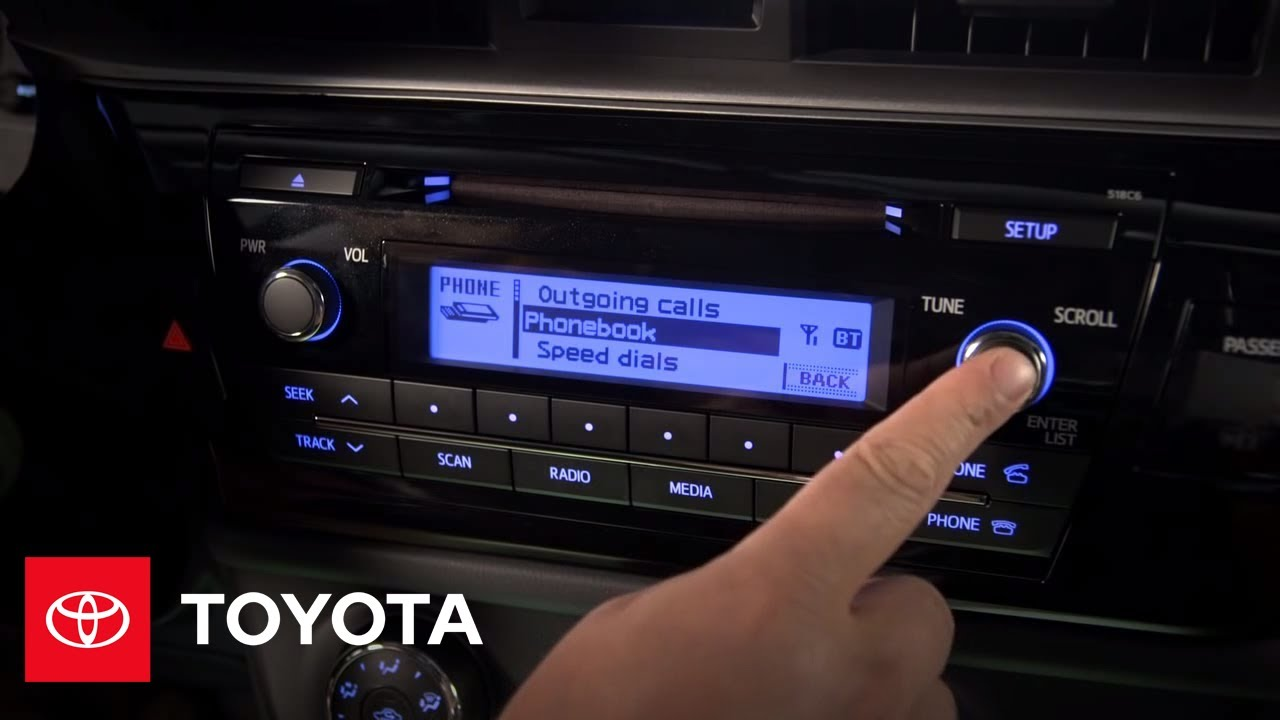 Toyota Corolla Owners Manual: Making a call