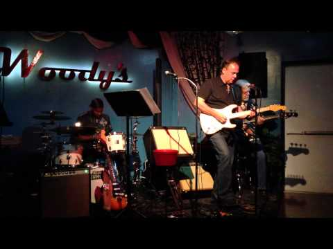 LuxeTone Amps @ Woody's Palm Springs with Bobby Moses Nichols