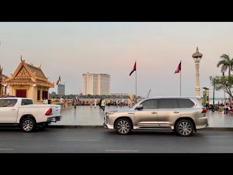 Phnom Penh walking tour in The Royal Palace of Cambodia [4K]