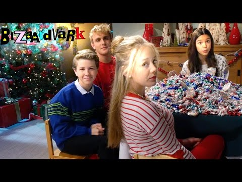 Kids Table | Bizaardvark | Disney Channel
