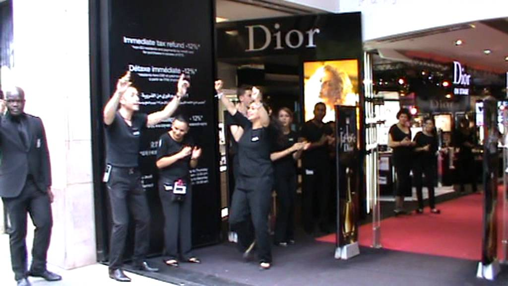79eeb350d58254 Sephora - Champs Elysee. - YouTube