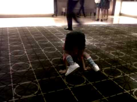 anak kecil breakdance Travel Video