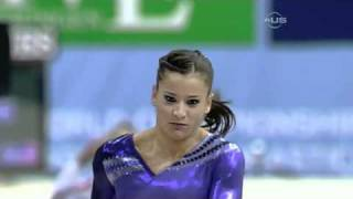 Alicia Sacramone finally gets Vault gold - from Universal Sports