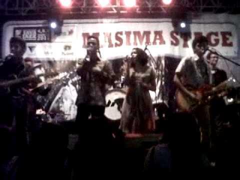Say HiVi! -Kusuka Dia Apa Adanya @ Java Jazz 2011 (Masima Stage)