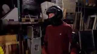 Proefkonijnen - Dennis rent door een muur van ijs